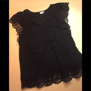 GAP black crochet top